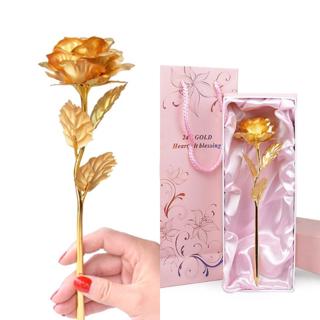 Rosa de oro con grabado en el tallo.