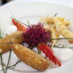 Rollitos crujientes de bacalao con crema de patata