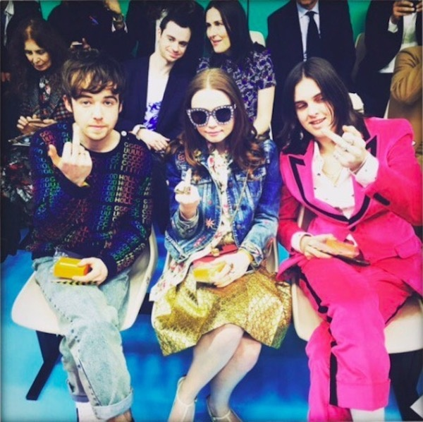 Primera fila de Gucci con los protagonistas The End Of The Fucking World
