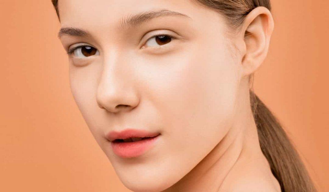 ¿Quieres lucir una piel radiante y bonita esta primavera? serum facialderm intimately magazine4