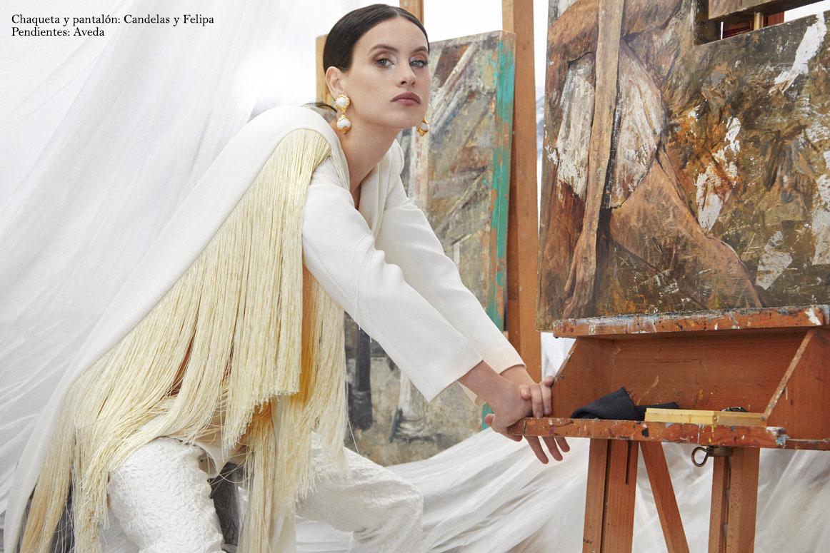 Milena-Smit-posa-intimatelymagazine